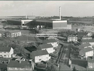 brymbo-steel-works-and-the-new-rolling-mill-with-the-village-of-tanyfron-in-the-foreground-circa-1979