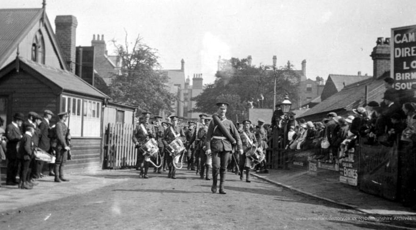 Royal Welsh Fusiliers arriving at Central Station Wrexham, WWI