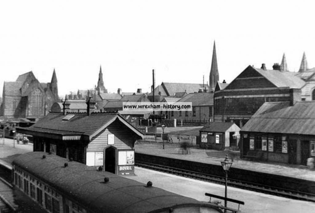 wrexham-central-station-seen-from-the-footbridge-in-the-1923