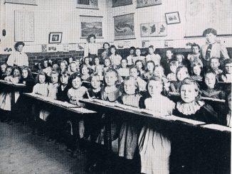 Acrefair Girls School 1905