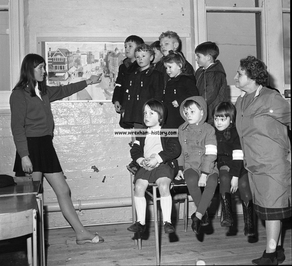 Rhosrobin Infants School 1969